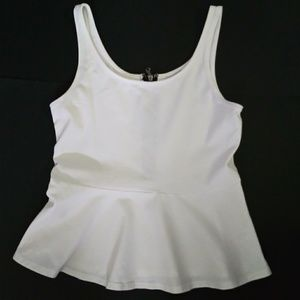 Express cute top with zip up back L